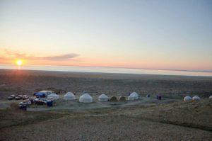 yurt-camp-aral-sea